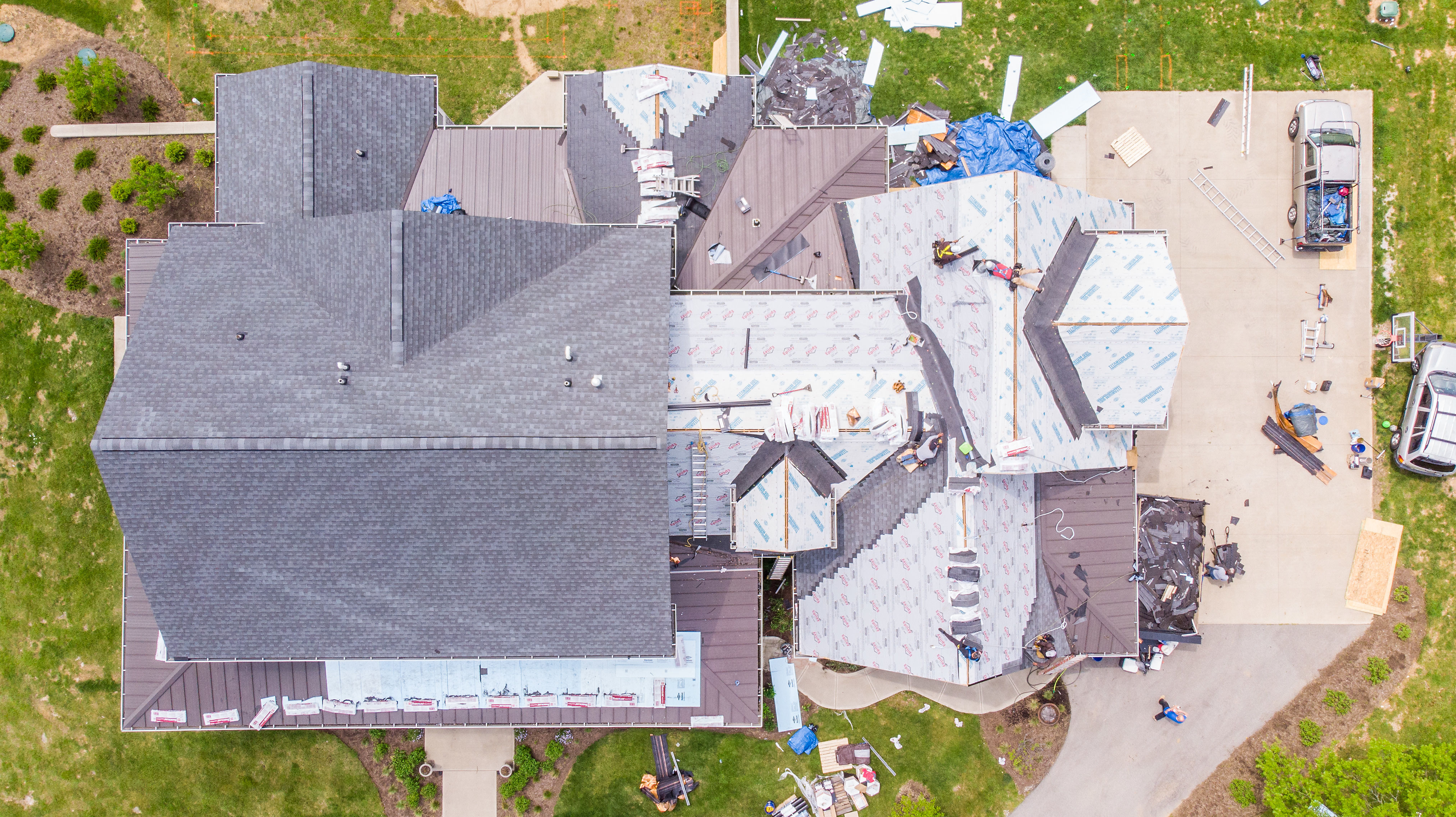 Looking for roof replacement in Lexington, KY? Mulberry Builders provides top quality roof replacement services.