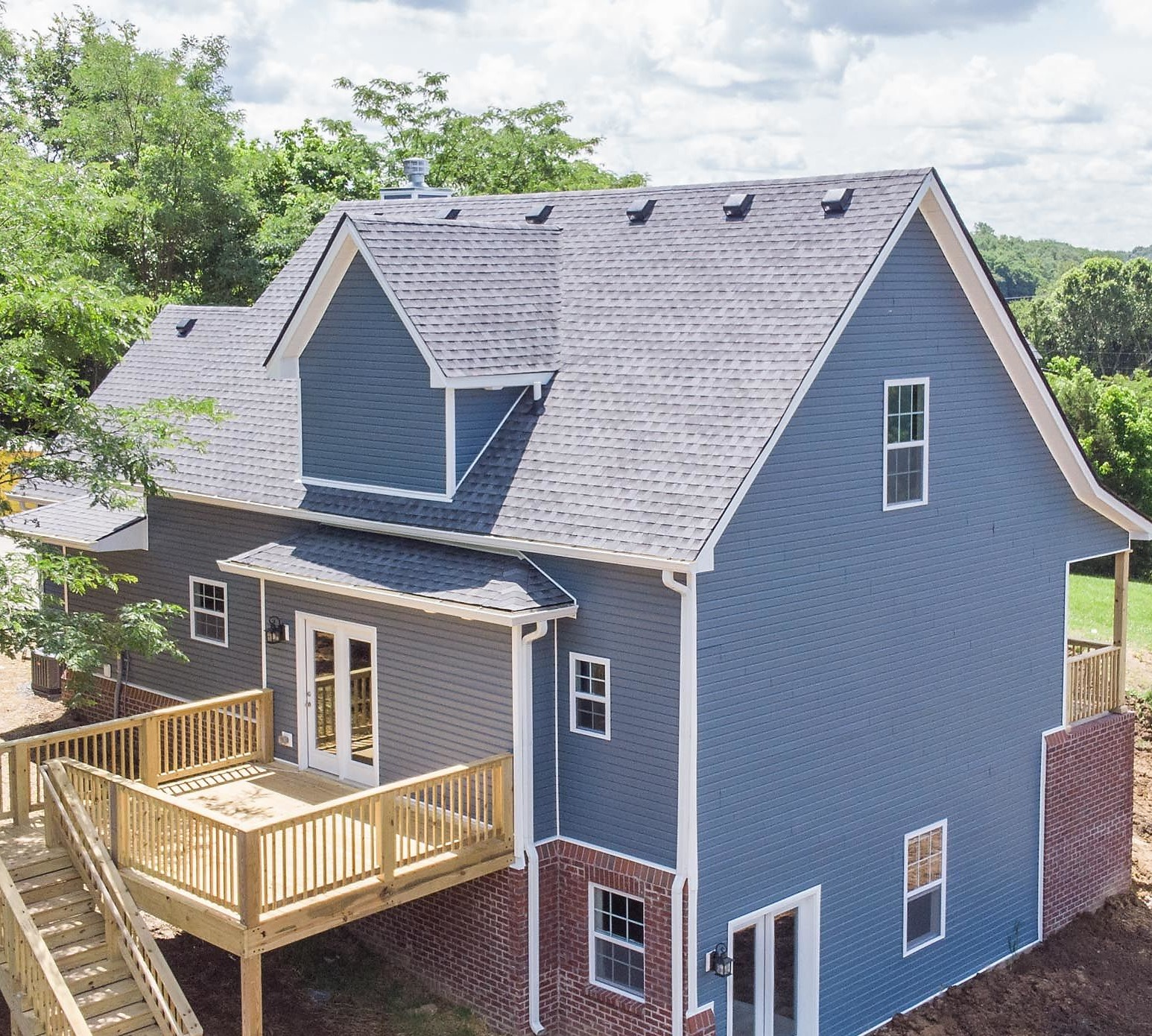 Mulberry Builders has the unequalled experience that you want when searching for roofing contractors in Lexington, KY.