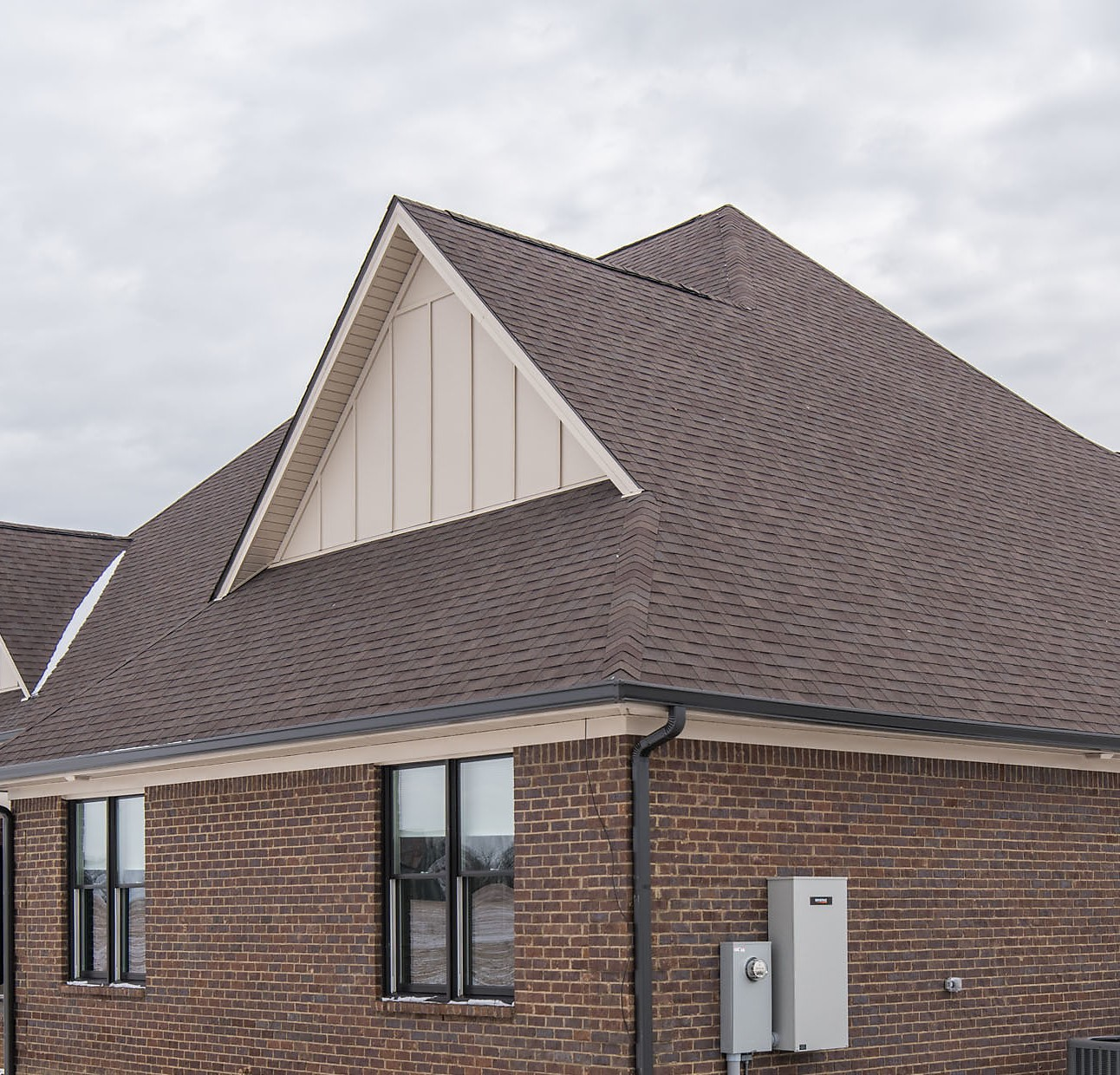 When it comes to roof and gutter replacement in Lexington, KY, turn to the roofing experts at Mulberry Homes.